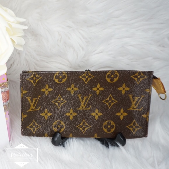 Louis Vuitton Handbags - •Authentic Louis Vuitton Bucket Pouch20•